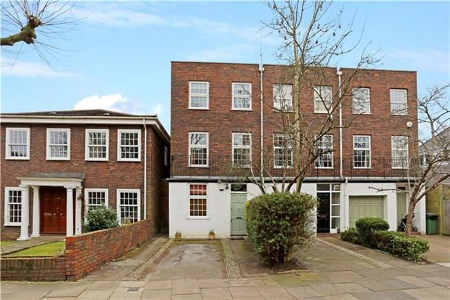 Asking Price £1,195,000, 4 Bedroom Semi Detached House For Sale in London, W5