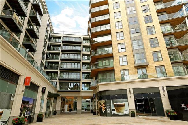 Asking Price £799,950, 2 Bedroom Flat For Sale in Longfield Avenue, Ealing, W5