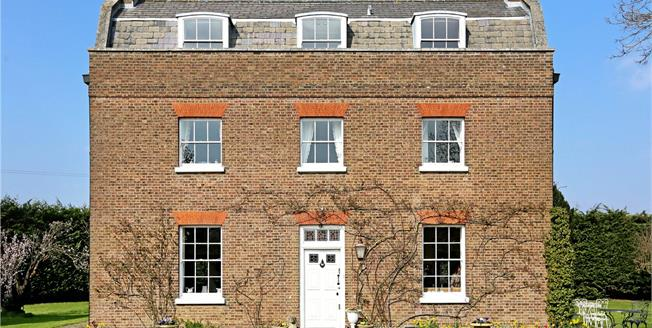 Guide Price £2,450,000, 6 Bedroom Detached House For Sale in Isleworth, TW7