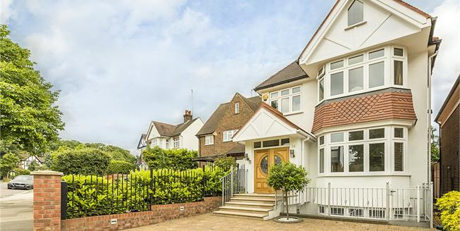 Asking Price £2,100,000, 6 Bedroom Detached House For Sale in London, W5