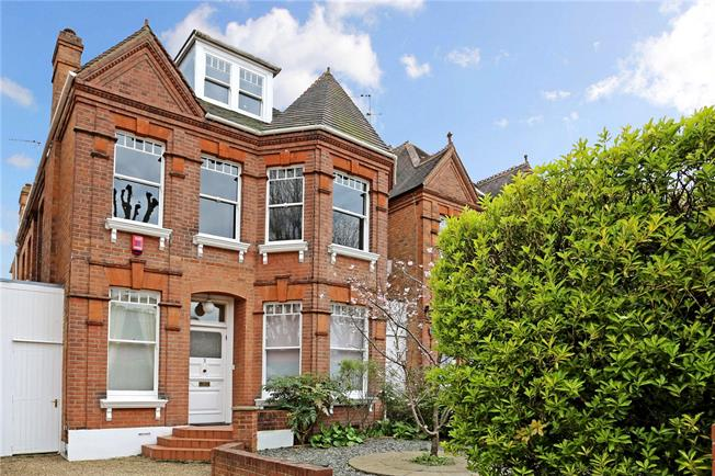 Asking Price £1,875,000, 5 Bedroom Detached House For Sale in London, W5