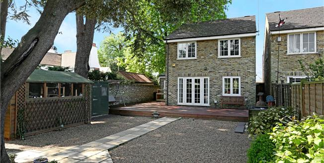 Asking Price £899,950, 4 Bedroom Detached House For Sale in Brentford, TW8