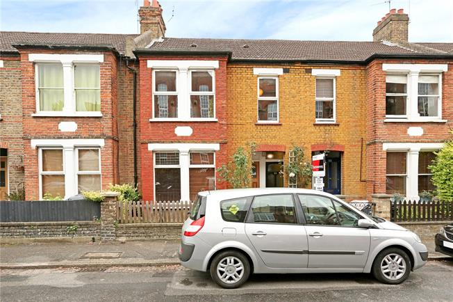 Asking Price £405,000, 1 Bedroom Flat For Sale in Hanwell, W7