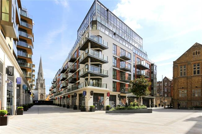 Guide Price £685,000, 2 Bedroom Flat For Sale in London, W5