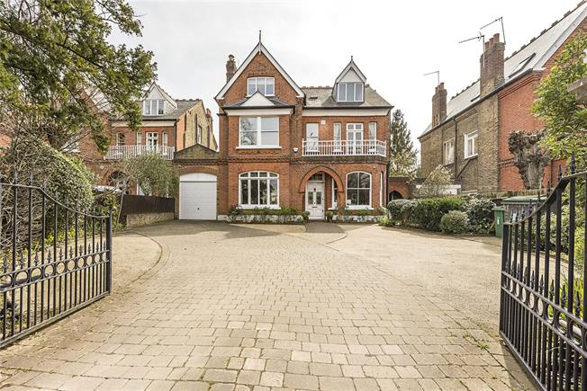 Guide Price £2,950,000, 7 Bedroom Detached House For Sale in Ealing, W5