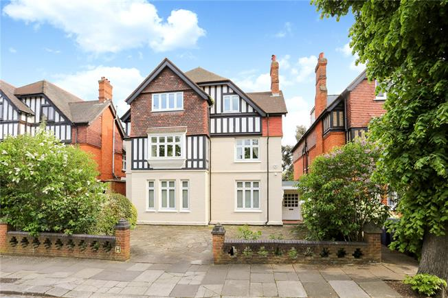 Guide Price £2,600,000, 8 Bedroom Detached House For Sale in Ealing, W5