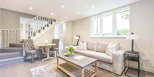 Guide Price £549,950, 2 Bedroom Detached House For Sale in Ealing, W5
