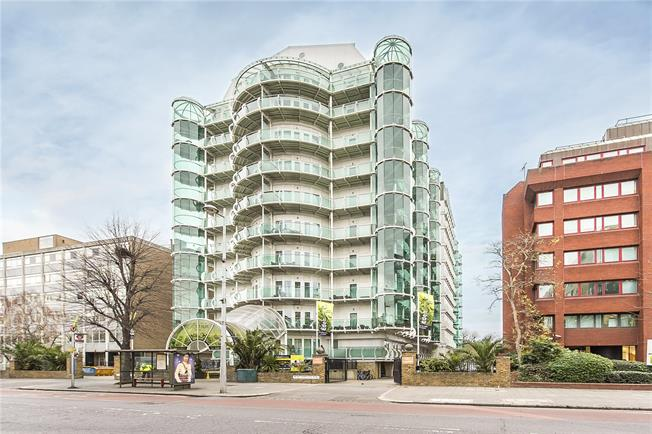 3 Bedroom Flat For Sale In Ealing For Asking Price 630000