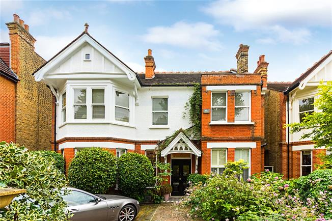 Asking Price £2,995,000, 6 Bedroom Detached House For Sale in Ealing, W5