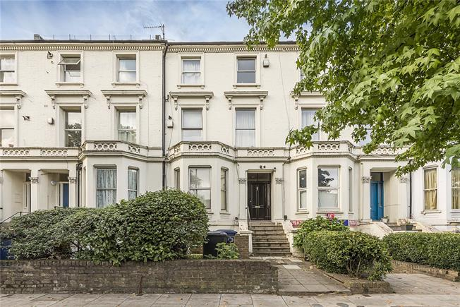 Guide Price £237,500, Flat For Sale in Ealing, W5