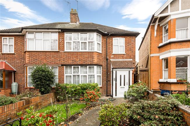 Guide Price £1,250,000, 3 Bedroom Semi Detached House For Sale in London, W3