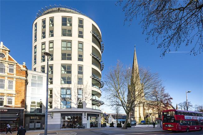 Asking Price £984,950, 2 Bedroom Flat For Sale in Ealing, W5