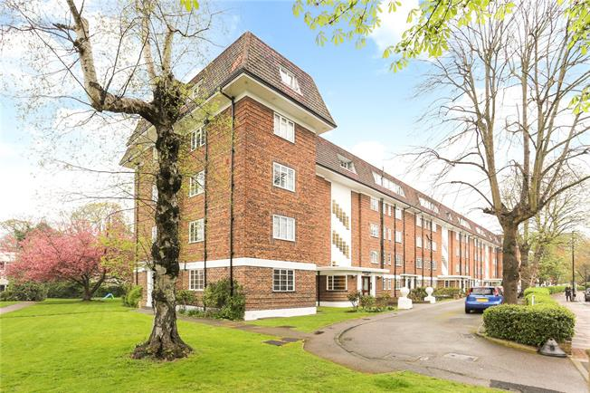 Guide Price £820,000, 2 Bedroom Flat For Sale in London, W5