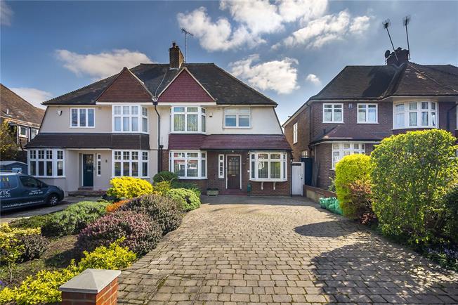 Guide Price £1,225,000, 4 Bedroom Semi Detached House For Sale in Ealing, W13