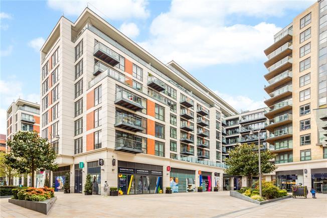 Asking Price £729,950, 2 Bedroom Flat For Sale in Longfield Avenue, Ealing, W5