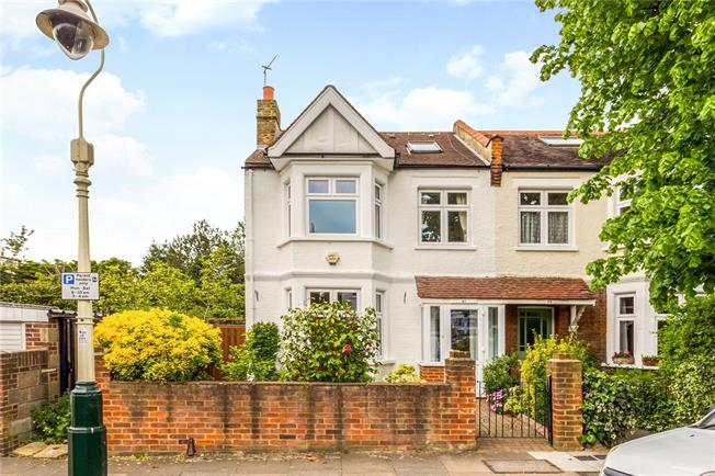 Guide Price £1,050,000, 4 Bedroom Semi Detached House For Sale in Ealing, W5