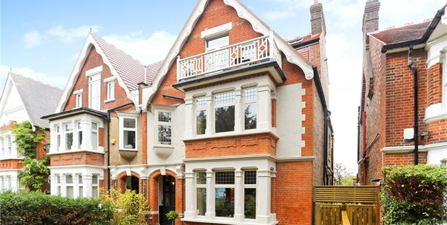Guide Price £399,950, 1 Bedroom Flat For Sale in Ealing Common, W3