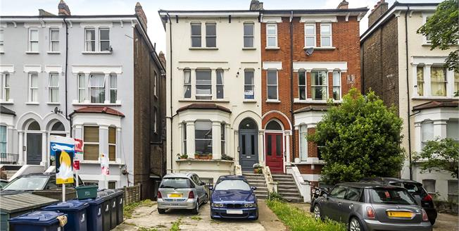 Guide Price £485,000, 2 Bedroom Flat For Sale in Ealing, W13