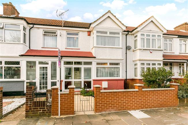 Guide Price £700,000, 3 Bedroom Terraced House For Sale in Hanwell, W7
