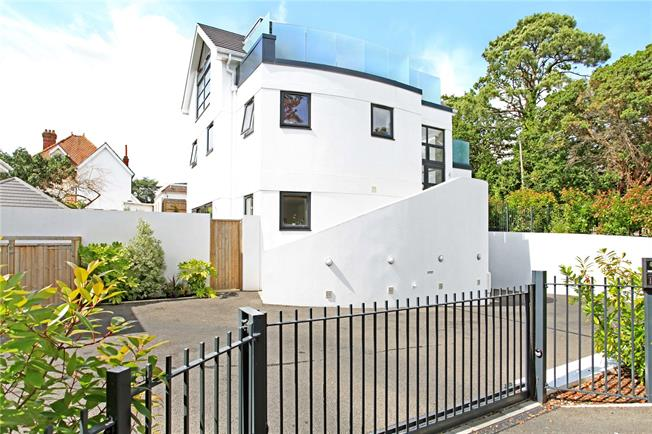 Guide Price £895,000, 4 Bedroom Detached House For Sale in Dorset, BH14