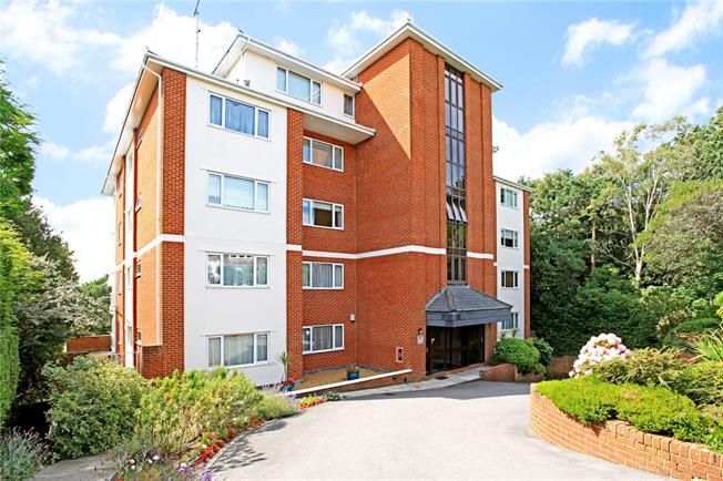 Guide Price £650,000, 3 Bedroom Flat For Sale in Poole, Dorset, BH13
