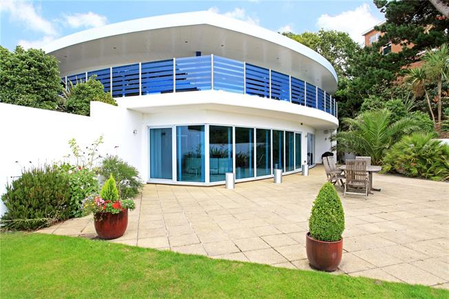 Guide Price £1,675,000, 3 Bedroom Flat For Sale in Poole, Dorset, BH13
