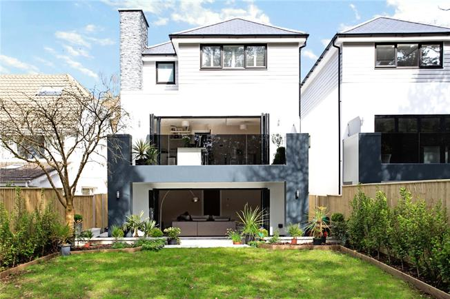 Guide Price £875,000, 4 Bedroom Detached House For Sale in Poole, Dorset, BH14