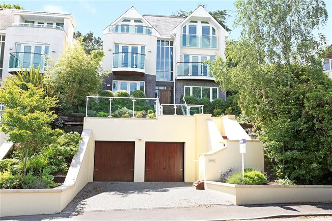 Guide Price £1,100,000, 5 Bedroom Detached House For Sale in Poole, Dorset, BH14