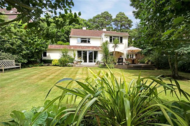 Guide Price £1,225,000, 3 Bedroom Detached House For Sale in Poole, BH13