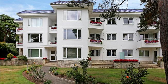 Guide Price £490,000, 3 Bedroom Flat For Sale in Sandbanks, Poole, Dorset, BH13