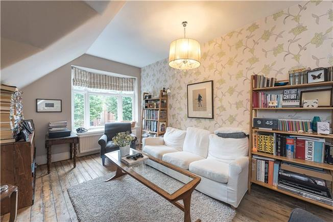 Asking Price £675,000, 2 Bedroom Flat For Sale in London, N10