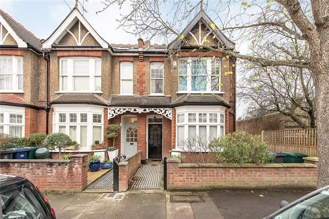 Asking Price £1,197,500, 4 Bedroom Terraced House For Sale in London, N2