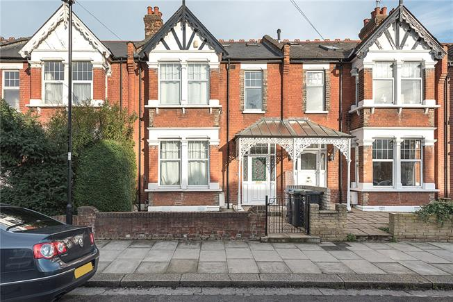 Asking Price £760,000, 5 Bedroom Terraced House For Sale in London, N13