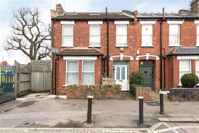 Asking Price £1,159,950, 4 Bedroom Terraced House For Sale in London, N10