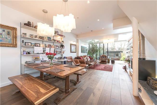 Asking Price £1,650,000, 4 Bedroom Terraced House For Sale in London, N10