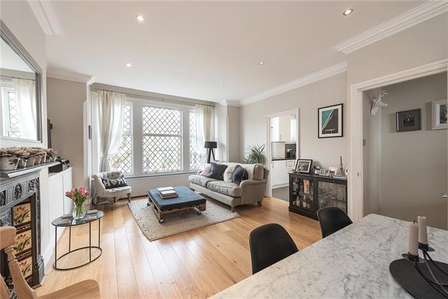 Asking Price £599,000, 2 Bedroom Flat For Sale in London, N10