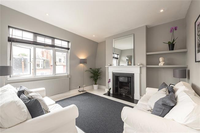 Offers in the region of £600,000, 2 Bedroom Flat For Sale in London, N10