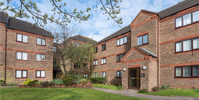 Asking Price £385,000, 1 Bedroom Flat For Sale in London, N10