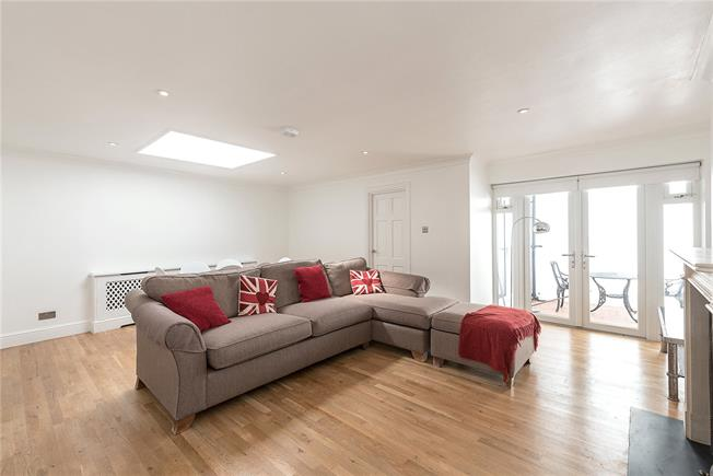 Asking Price £500,000, 1 Bedroom Flat For Sale in London, N10