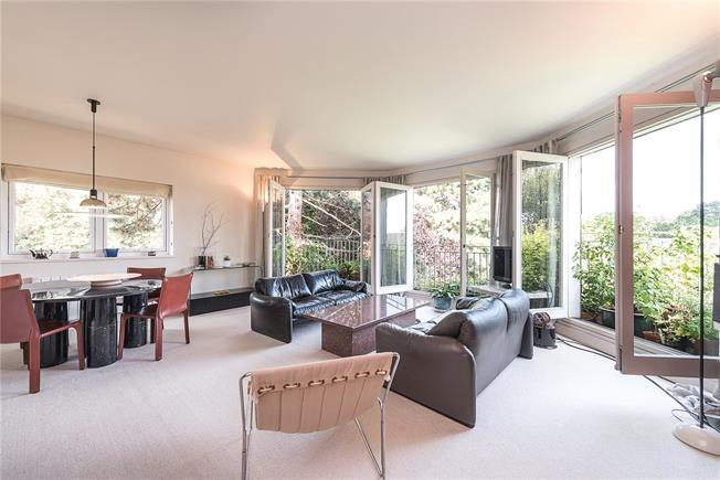 Asking Price £695,000, 3 Bedroom Flat For Sale in London, N22