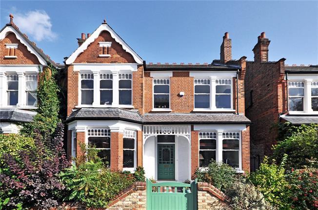 Asking Price £2,295,000, 5 Bedroom Terraced House For Sale in London, N10