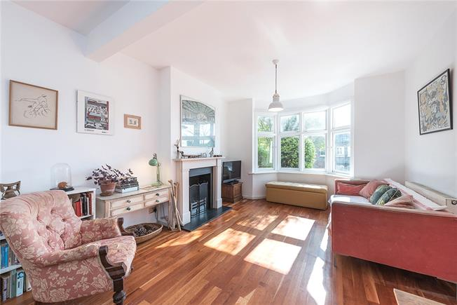 Asking Price £1,195,000, 4 Bedroom End of Terrace House For Sale in London, N10