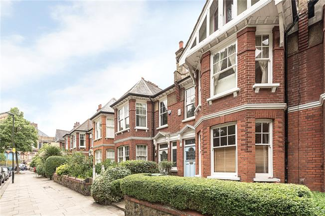 Asking Price £1,500,000, 5 Bedroom Terraced House For Sale in London, N10