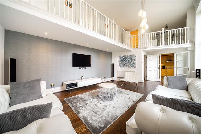 Asking Price £875,000, 4 Bedroom Flat For Sale in London, N11