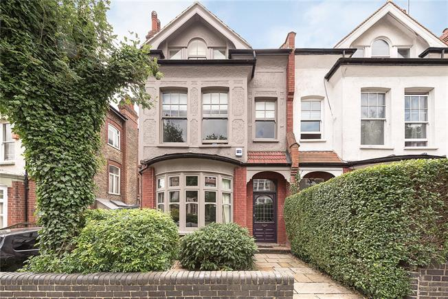 Asking Price £2,750,000, 4 Bedroom Semi Detached House For Sale in London, N6