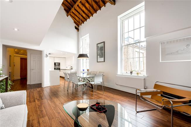 Asking Price £830,000, 3 Bedroom Flat For Sale in London, N11