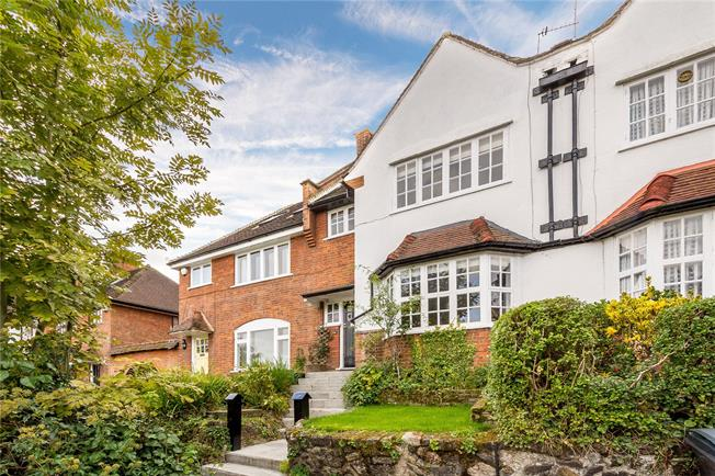 Offers in the region of £1,250,000, 4 Bedroom Terraced House For Sale in London, N10