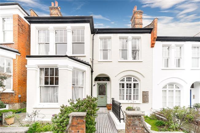 Asking Price £1,850,000, 5 Bedroom Terraced House For Sale in London, N10
