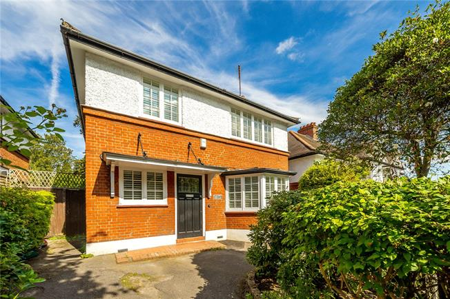 Asking Price £1,595,000, 4 Bedroom Detached House For Sale in London, N8
