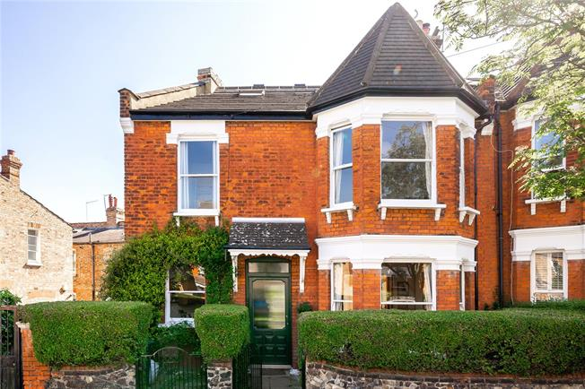 Asking Price £1,250,000, 5 Bedroom End of Terrace House For Sale in London, N22